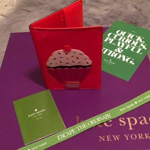 Kate spade cupcake Imogene passport NWOT care card